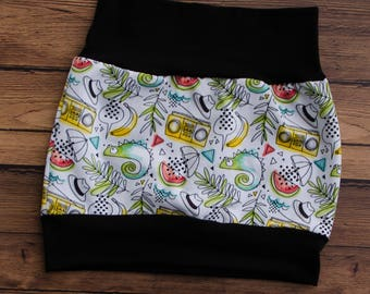 Cameleon Evolutive Skirt, Vintage Doodle, yellow, green and black, comfortable baby jersey skirt, baby changing clothes, summer pattern