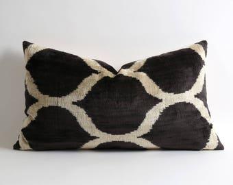 Black and white modern silk velvet ikat pillow cover // 14x24 lumbar handwoven hand dyed cushion // black velvet pillow