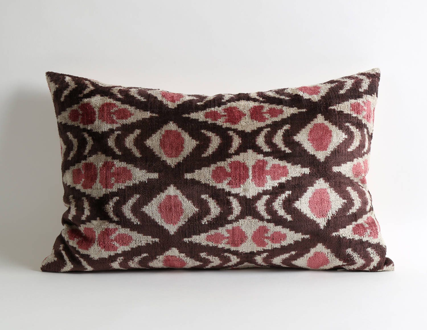 pink brown cream throw pillows cover 14x22 velvet pillows. Black Bedroom Furniture Sets. Home Design Ideas