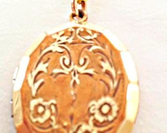 Antique Locket Necklace Gold Plated Embossed Flower Pattern Accessories teen jewelry gift ideas