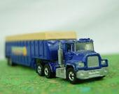 Hot Wheels - 1981 Mack Truck - Sunset Citrus Co. - Mattel Inc - Big Rig - Diecast - Transport Truck