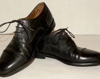1990s Vintage Cole Haan Cap Toe OXFORDS Shoes / Black Leather / Made Italy / classic / Shoes men 6 E women 7.5 to 8