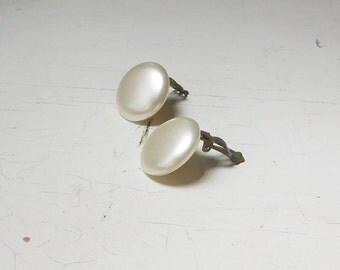 Faux Pearl Clip On Earrings Signed Japan 1 Inch Round Button Style Victorian Vintage Costume Jewelry Beige Off White
