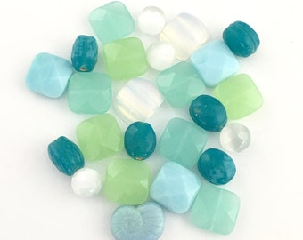 25 mix glass beads ,sea color,10mm to 14mm  #PV026