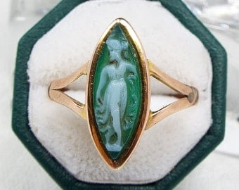Antique 1918 Edwardian 9ct Gold Green Hardstone Cameo Navette Ring / Size R