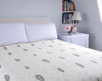BLOCK PRINTED BEDSPREAD – Light Brown Foliage