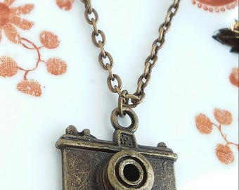 "Camera Pendant Necklace 20"" Antique Bronze Tone Chain Photography Photographer Photo Charm"