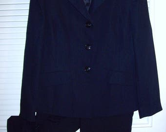 Pantsuit, Navy Pin-striped, Classic Preppy Pantsuit, Size 12, OUTSTANDING ! Career, Travel, - see details