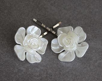 White Hair Pins, White Bobby Pins, White Flower Hair Pins, White Floral Bobby Pins, Flower Bobby Pins, Bridal Hair Pins, Bride Bobby Pins