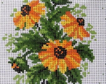 "TAPEX VIENNA Hand Printed Black-Eyed Susan Needlepoint Canvas 100% Cotton Penelope - Made in Austria, 6 x 8"", 8 color floral tapestry, 12 ct"