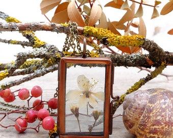 Flower necklace, gift for woman, terrarium necklace, plant necklace, inspirational, locket necklace, botanical pendant, dainty necklace