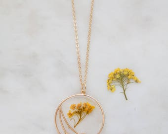 Yellow Queen Anne's Lace Necklace