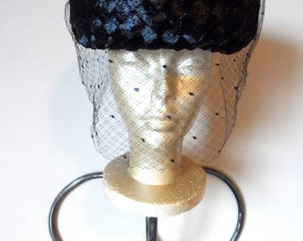 Vintage 1950's Black Woven Straw Hat With Veil* Pillbox . Fifties . Wedding . Party  Prom . Church . Retro . Elegant . Classic .