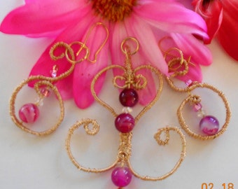 GOLD HAND WIRE wrapped pendant and earring set each piece is double wrapped in gold plated fine wire and accented Fuchsia crazy lace agates