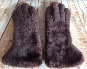 Vintage Gauntlets Gloves Beaver Lamb Fur and Leather Brown Rabbit Fur Lined Made In England By Dents c 1950s S - M