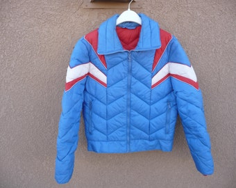 1970s Blue Ski Jacket ~ White Stag, Nylon Men's Size Large, Zips Up, Well Made In Korea ~ Red Inside Lining And Detail ~ Very Good Condition