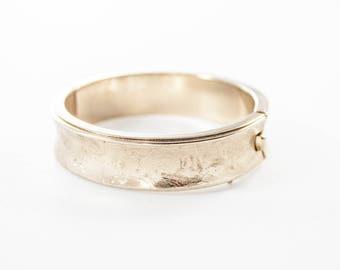 Vintage Gold Tone Clamper Bangle Bracelet