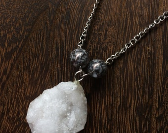 White and Silver Geode necklace [choker and pendant together] w/ beads