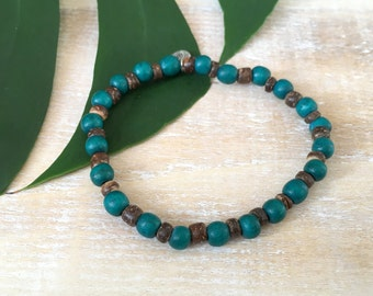 Globetrotter men's bracelet - Beaded stretch bracelet with blue wooden beads and brown coconut beads