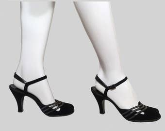 Darling Vintage 40s Designer Suede Pumps / Old Hollywood / WW2 Bombshell / Dress Shoes / heels / Excellent Size ~ 8