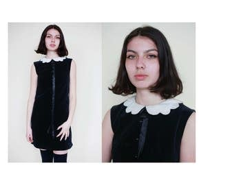 Vtg 1960's Black Velvet Mod Shift Mini Dress with White Scalloped Peter Pan Collar UK Size 6