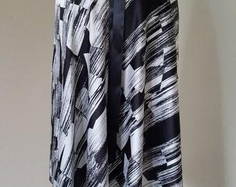 Tango - ballroom Satin wrap skirt: Black / white abstract