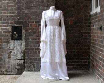 Vintage 1970s White Wedding Dress | Boho Maxi Dress | Boho Wedding Dress | 1970s Maxi Dress