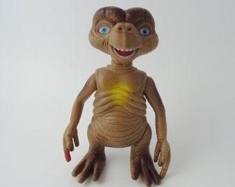 E.T. Japanese Vintage Figure 2 (Ref P)