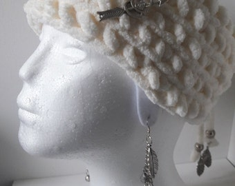Boho style earmuff headband Cosy soft white acryl wool with silver chain and charms
