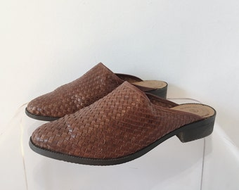 Vintage 70s Woven Brown Leather Slides