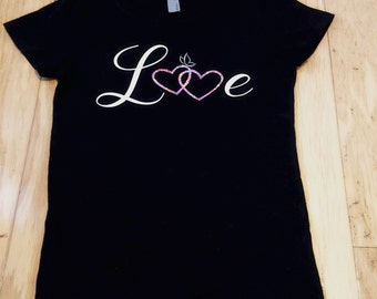 Love shirt with hearts / child / toddler / kid // Girl Shirt // Valentine's Day shirt // valentines shirt // valentine // butterfly