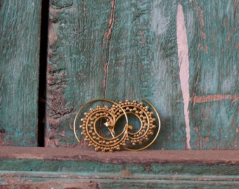 Indian Tribal Earrings Brass Hoops Spiral Dots / Boucles d'oreilles Créoles Spirale point en Laiton Boho Earrings