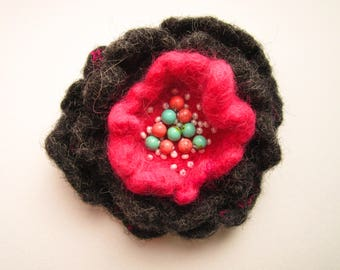 Felt brooch Handmade brooch Felt wool brooch flower Female wool jewelry Felted brooch Grey flower pin Boho brooch Felt flower brooch