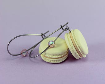 Vanilla Macaron Earrings
