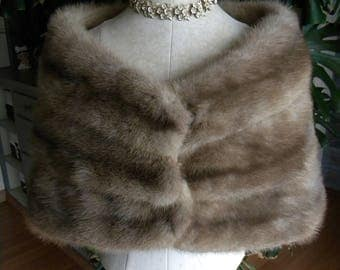 Lovely natural grey mink fur stole / cape / wedding