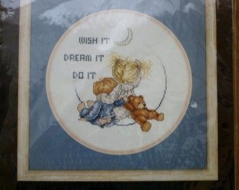 Wish It Dream It Do It / Bucilla Counted Cross Stitch Kit / NIP 9 Inch Round / 40463