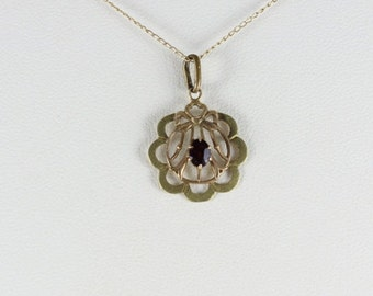 14k Yellow Gold and Green Gold Victorian Antique Glass Purple Center Necklace 15 inch chain