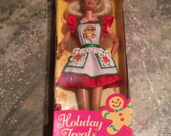 Holiday Treats Christmas  Barbie 1997 In Box