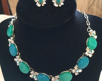 1960 Vintage Unsigned Clip-on Earrings and Necklace