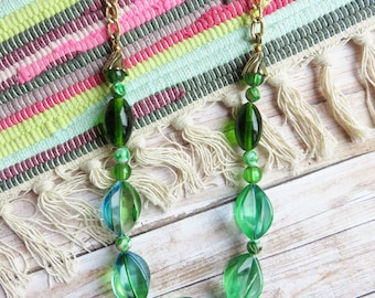 green beaded necklace - Gold and glamour necklace fabulous for events - CO432