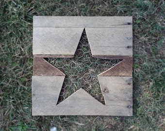 Star Jewelry Holder Pallet Wood and Chicken Wire Jewelry Holder