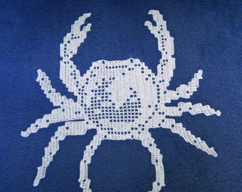 Place mat lace of hook: crustacean crab handmade creation Made in France.
