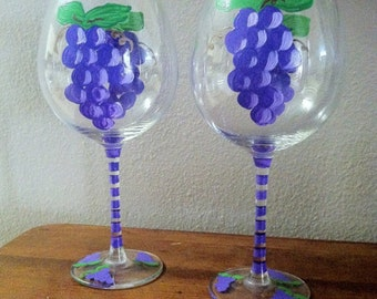 Hand Painted wine glasses Purple painted grapes Wine gifts Gifts for wine lovers Wine gift set Hostess Shower gifts, set of 2