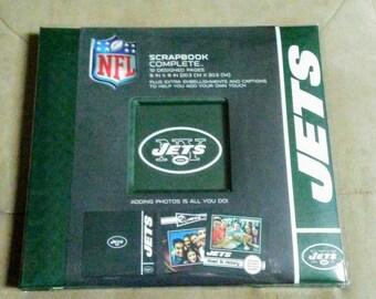 "C.R. Gibson 8"" x 8"" NFL New York Jets Complete Scrapbook"
