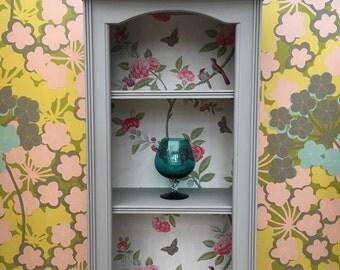Fabulous 'Edie' bookcase