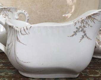 Johnson Brother's Gravy Boat Aesthetic Movement Brown Transferware Floral
