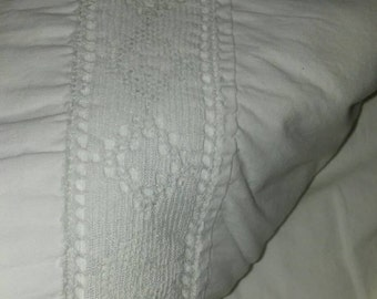 Vintage Full Size Flat Sheet/White Sheet/Fieldcrest Sheet/Shabby Chic/Cotton/Lace Insert/Bedding/Bed Sheet/Bed and Bath