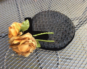 RIVERA 1950s pillbox hat ochre roses . NYC chic.Perfect