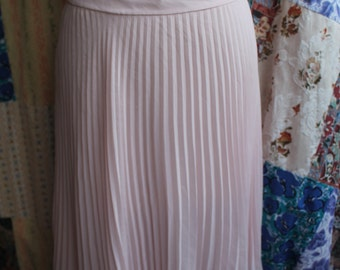 Pink pleated lined skirt  REF504