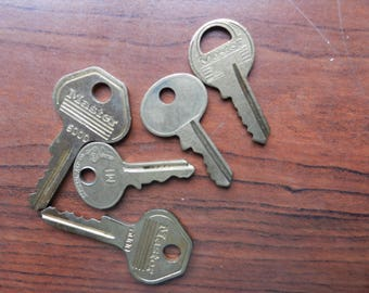Vintage Old Keys, Master Lock Key, Jewelry Supplies, Steam Punk Material, Art Supplies